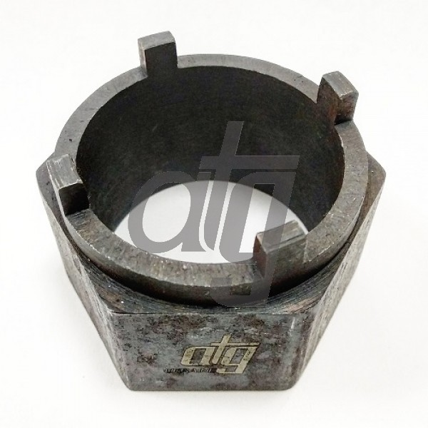 Tool for mantling and dismantling of steering box pinion nut<br><br>For SUZUKI steering boxes